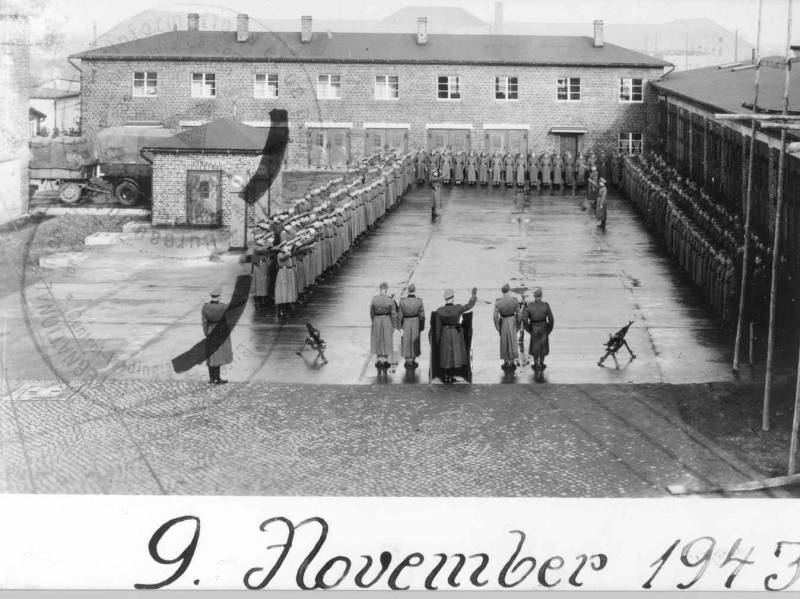 Historical photography of the SS Roll Call Square